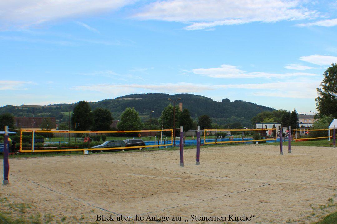 """Blick über die Anlage zur """"Steinernen Kirche"""""""
