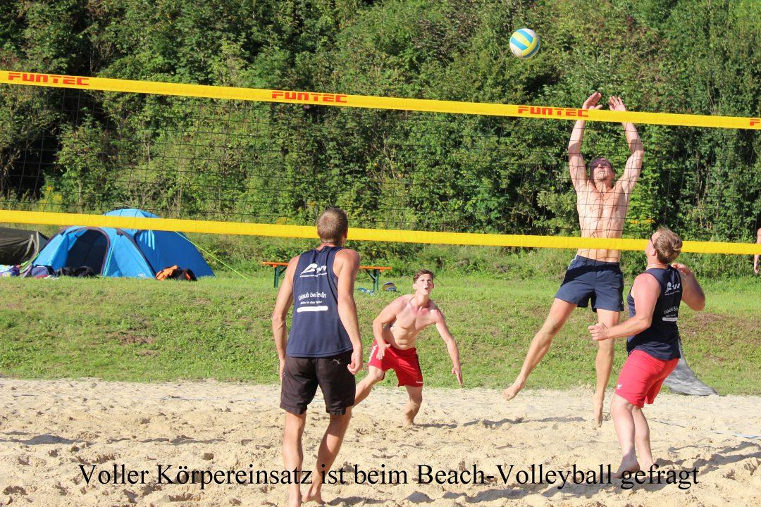 Voller Körpereinsatz ist beim Beach-Volleyball gefragt